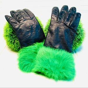 Accessories - Leather black gloves w green faux fur size SMALL